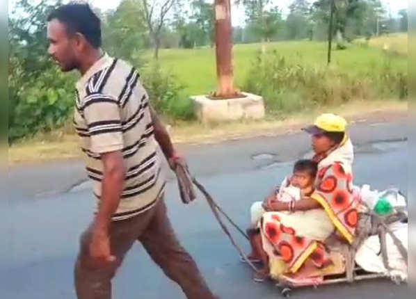 जुगाड़ की गाड़ी पर गर्भवती पत्नी और बेटी को बिठाया, 17 दिन में 800KM चला